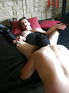 MILF Pussy Lick Pics